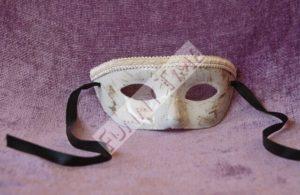 mascara mujer para bodas