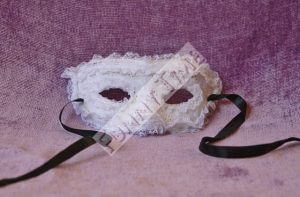 mascara de encaje para bodas