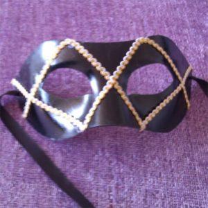 mascara de papel mache