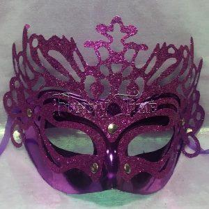 mascara morada