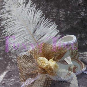 antifaz con flores preservadas
